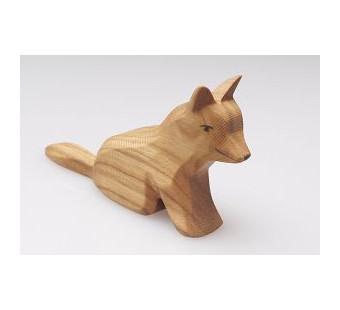Predan houten zittende hond