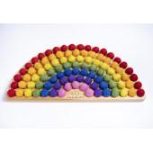Montessori regenboog naturel met regenboog vilten balletjes
