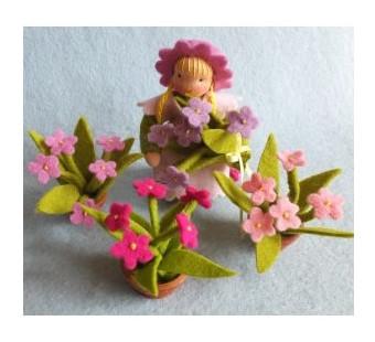 De bloemetjes buiten zetten (Atelier Pippilotta)