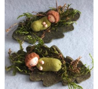 Two moss babies (atelier Pippilotta)