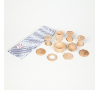 Grapat set van 10 naturelkleurige houten vormen (15-130)