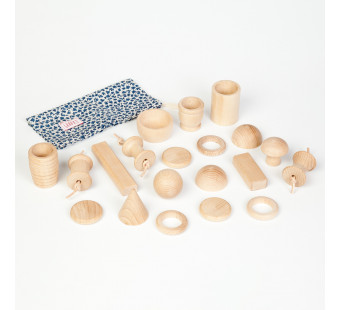 Grapat set va 20 houten vormen (16-131)