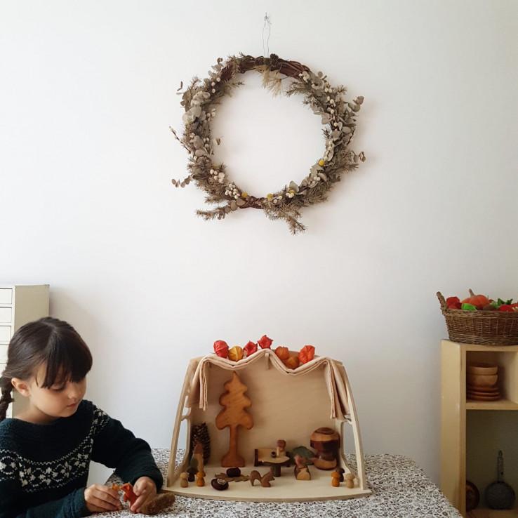 Seizoenstafel en decoratie voor in huis